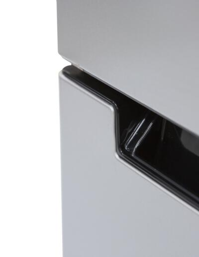 KBF-635-ME-WATER-DOOR-HANDLE-CLOSE-UP-ANGLE2